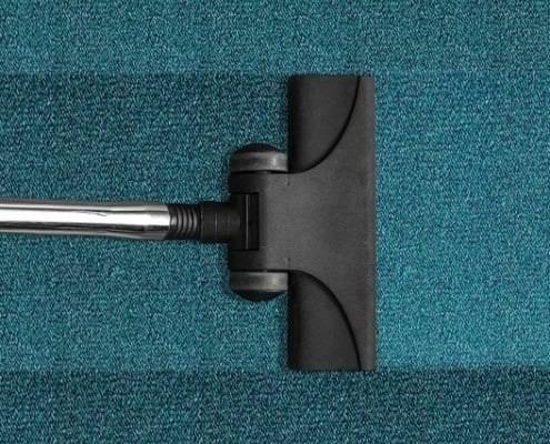 Teppich- & Polsterreinigung 16