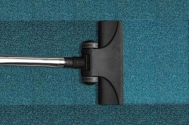 Teppich- & Polsterreinigung 6