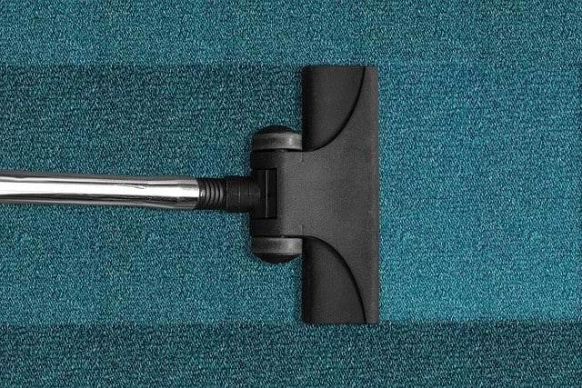 Teppich- & Polsterreinigung 3