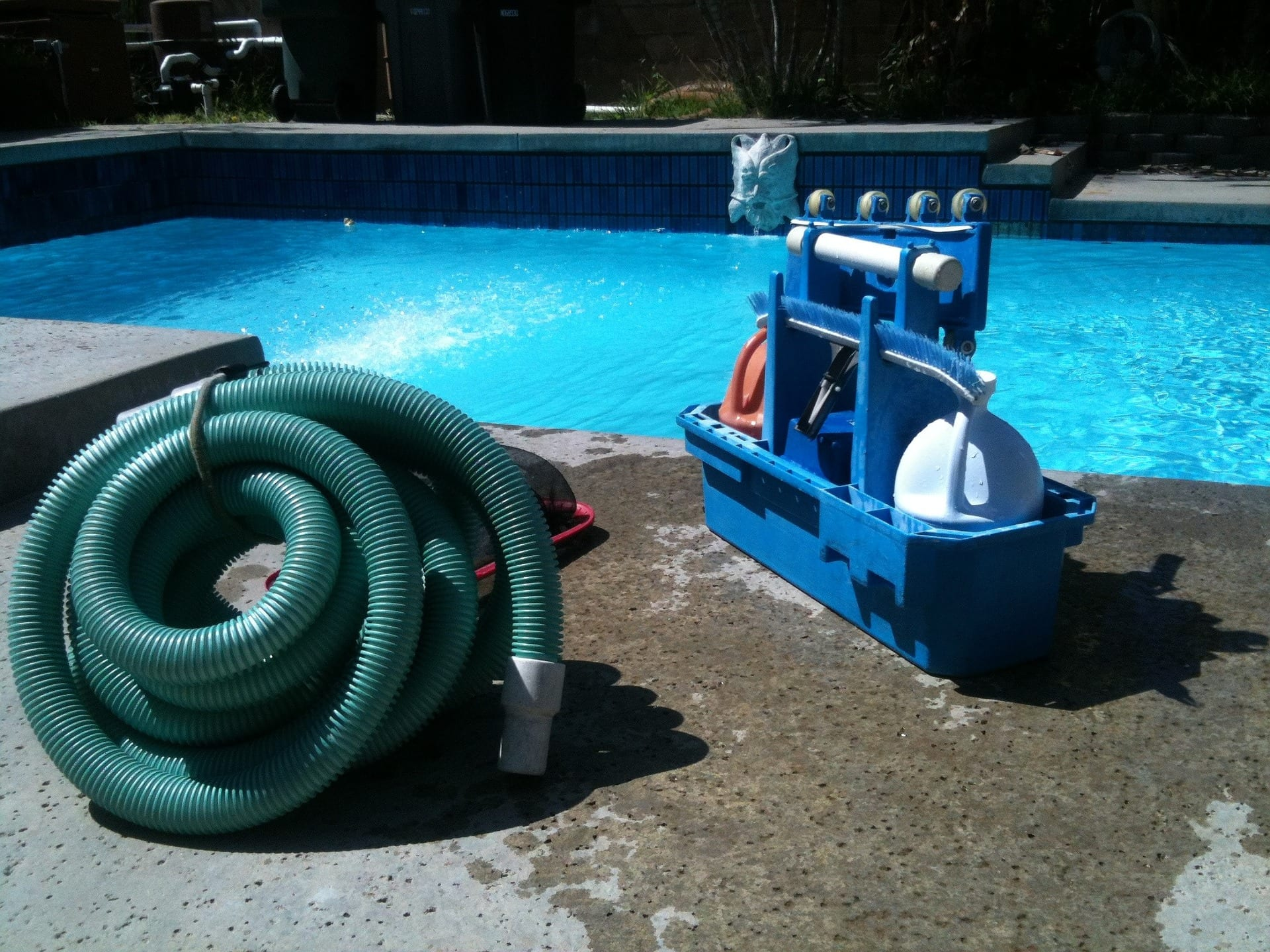 Schwimmbadreinigung 1